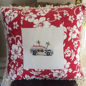 Other - 🌴 Woody Accent Pillow